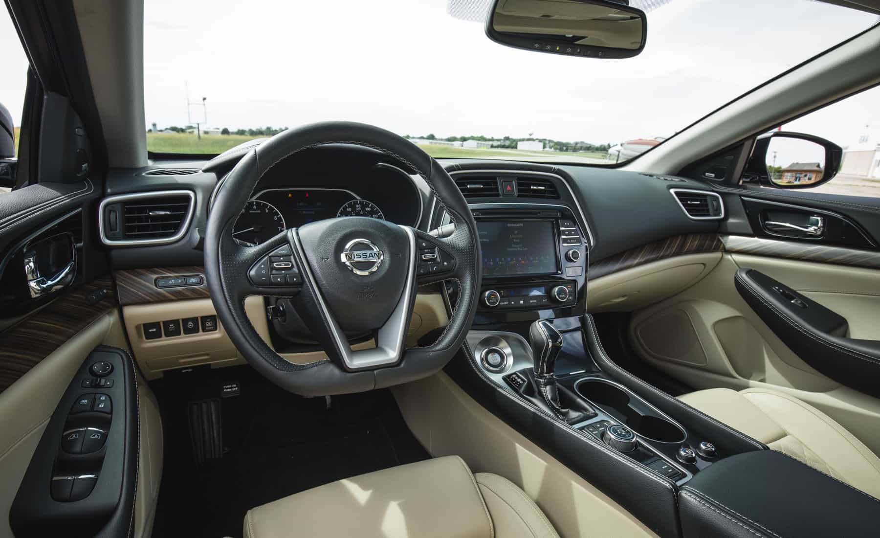 2017 Nissan Maxima Interior View Steering And Dashboard (Photo 30 of 40)