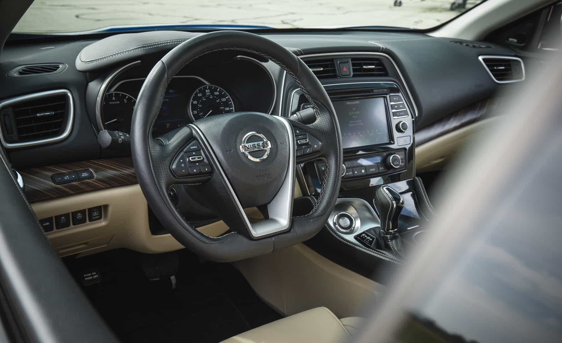 2017 Nissan Maxima Interior View Steering Details (Photo 31 of 40)