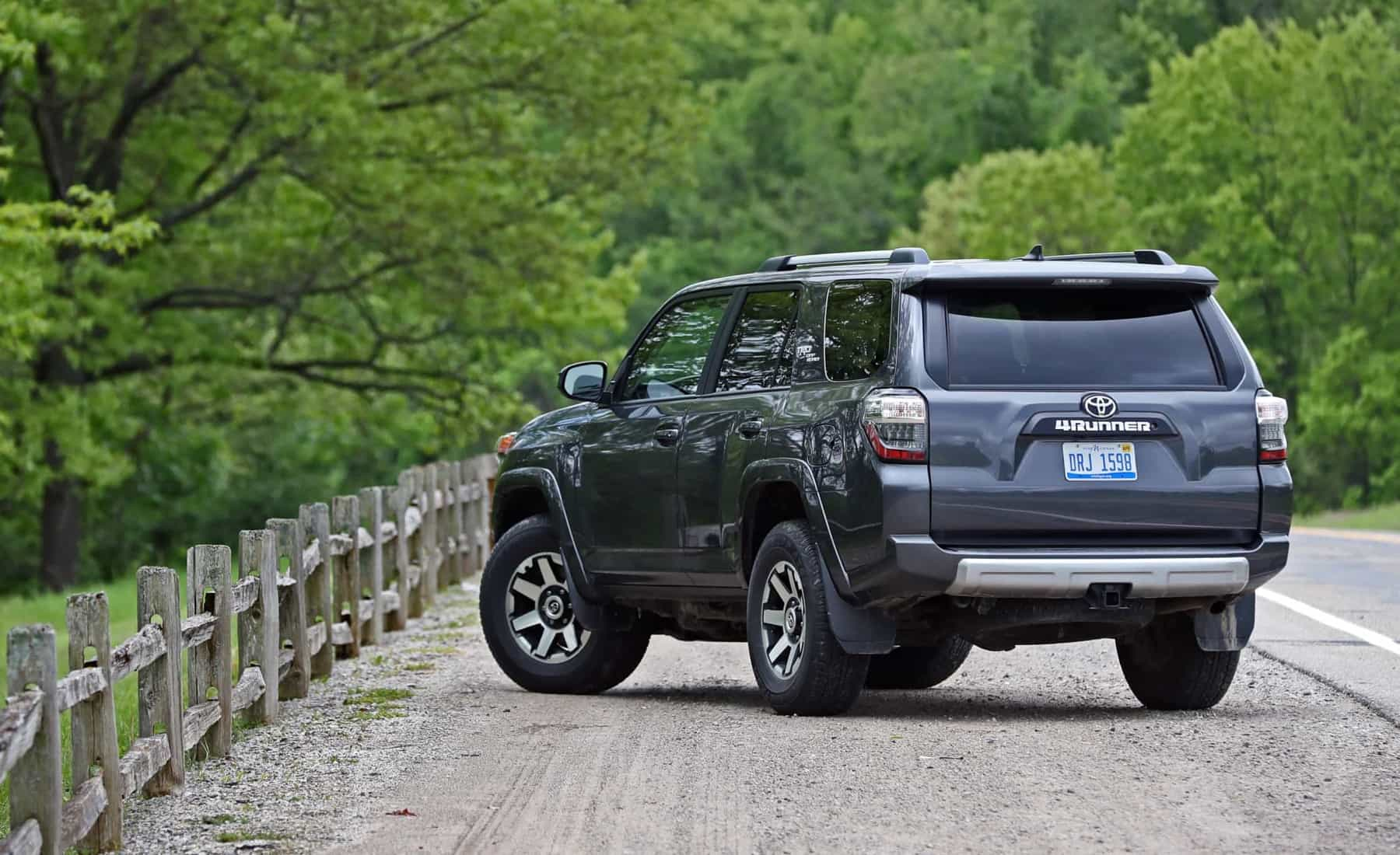 2017 Toyota 4Runner TRD Off Road 4WD Exterior Rear And Side (View 33 of 40)