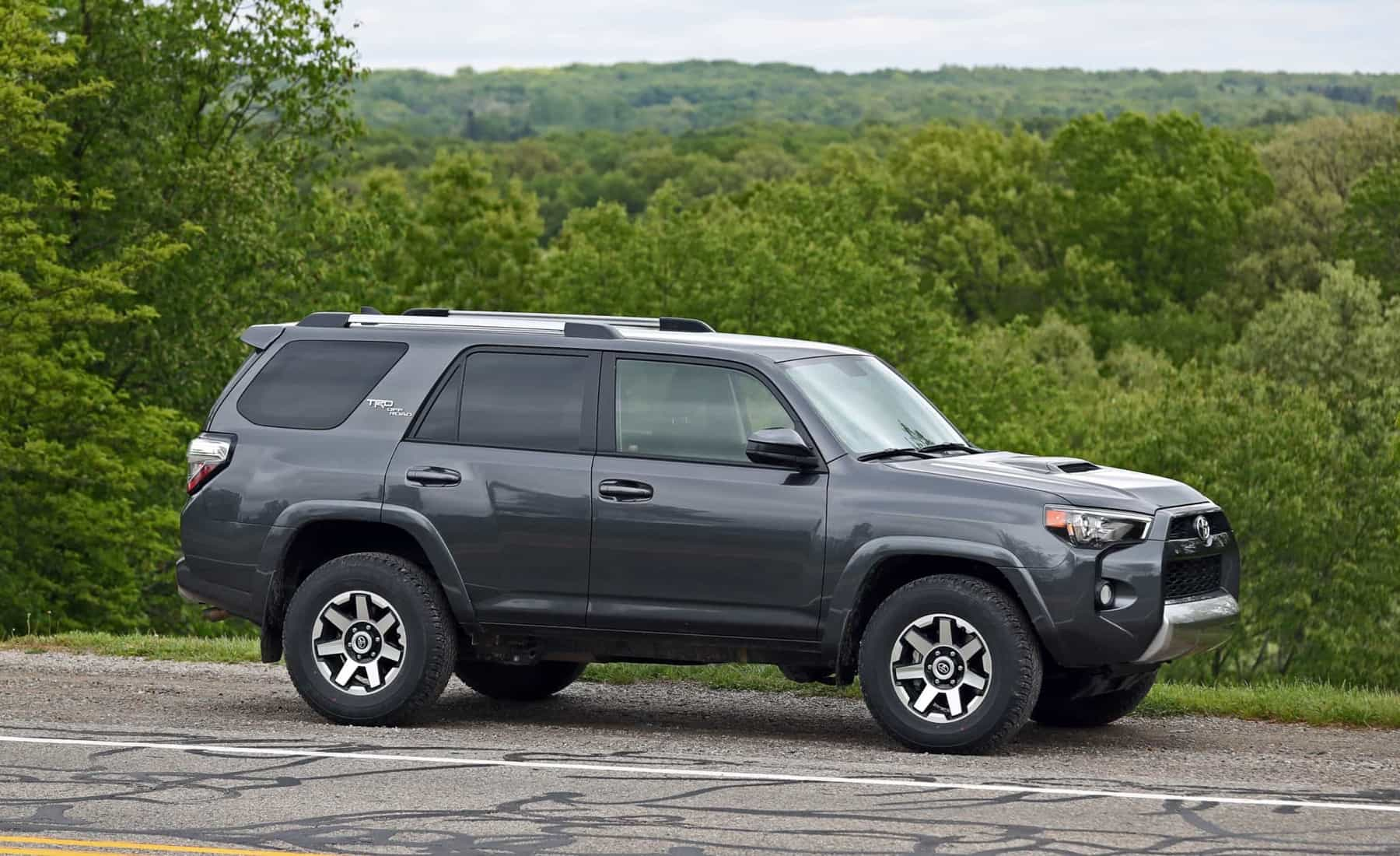 2017 Toyota 4Runner TRD Off Road 4WD Exterior Side (Photo 7 of 40)