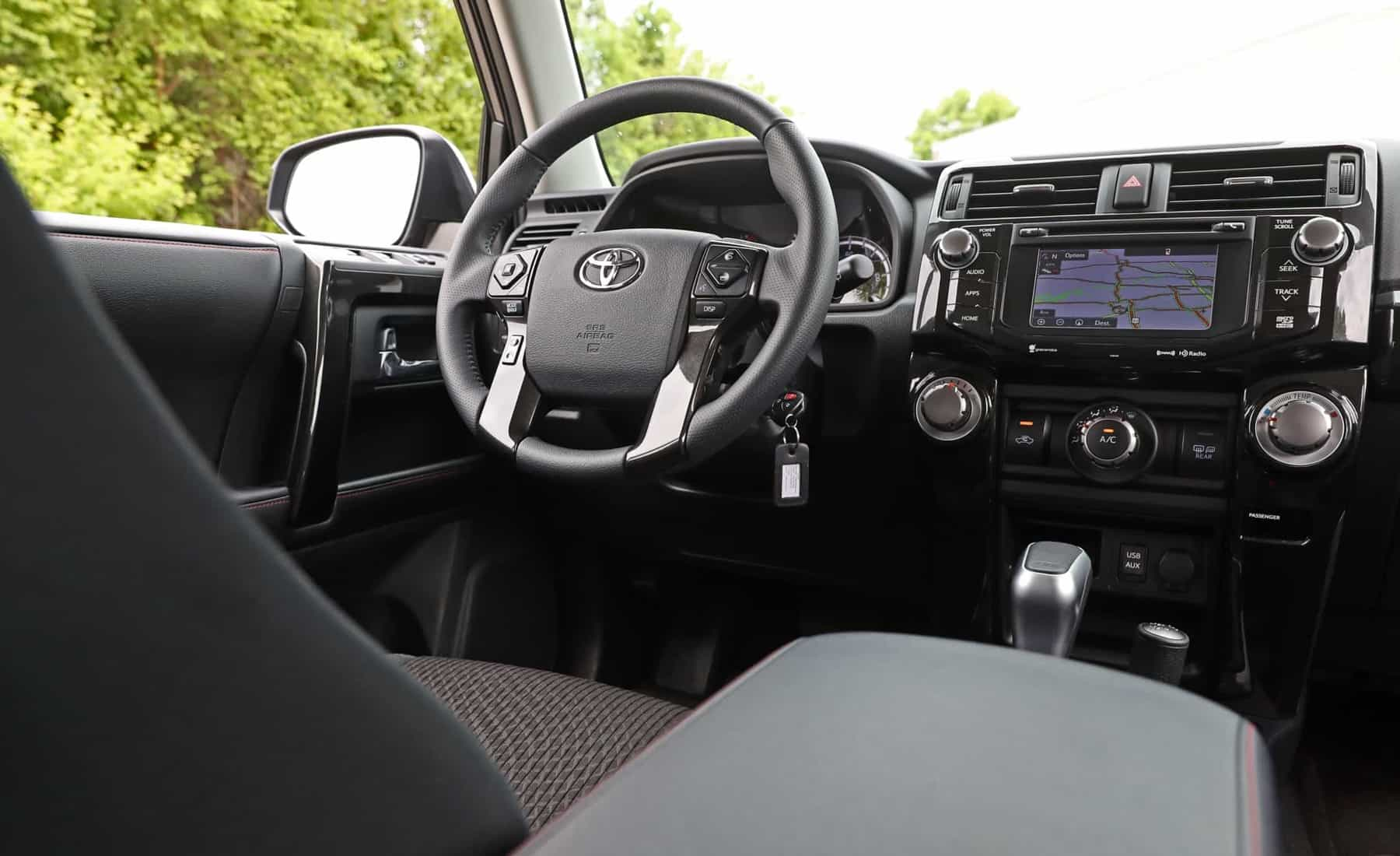 2017 Toyota 4Runner TRD Off Road 4WD Interior Steering (Photo 24 of 40)