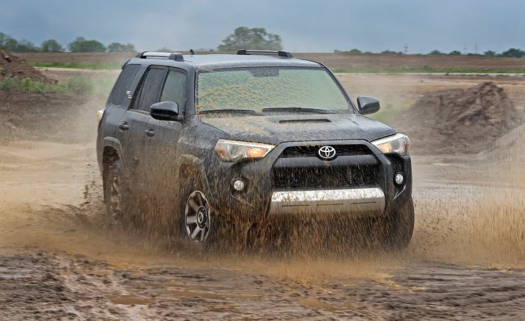 2017 Toyota 4Runner TRD Off Road 4WD Offroad Test Front View (Photo 34 of 40)
