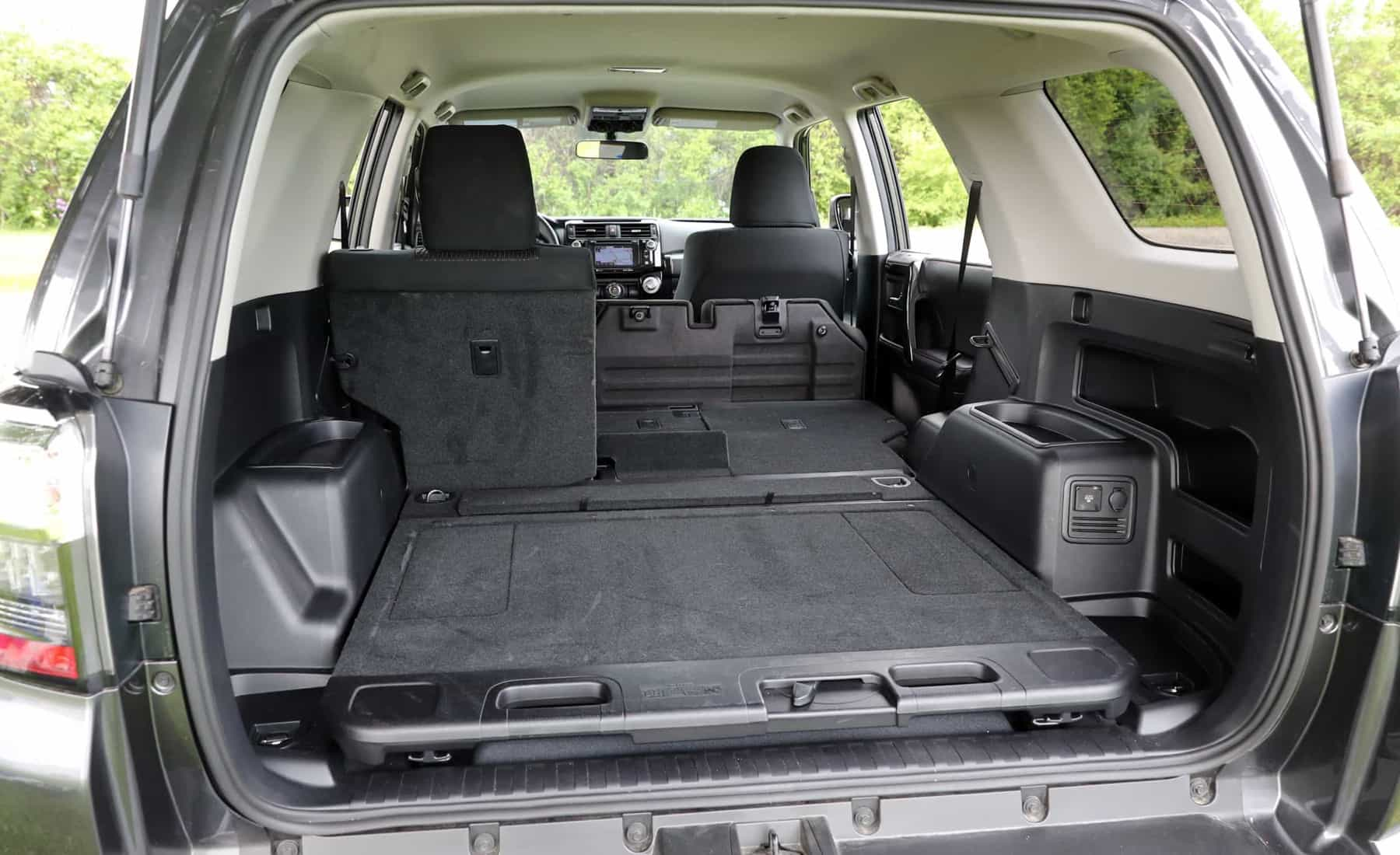 2017 Toyota 4Runner TRD Off Road 4WD View Cargo Capacity (Photo 38 of 40)