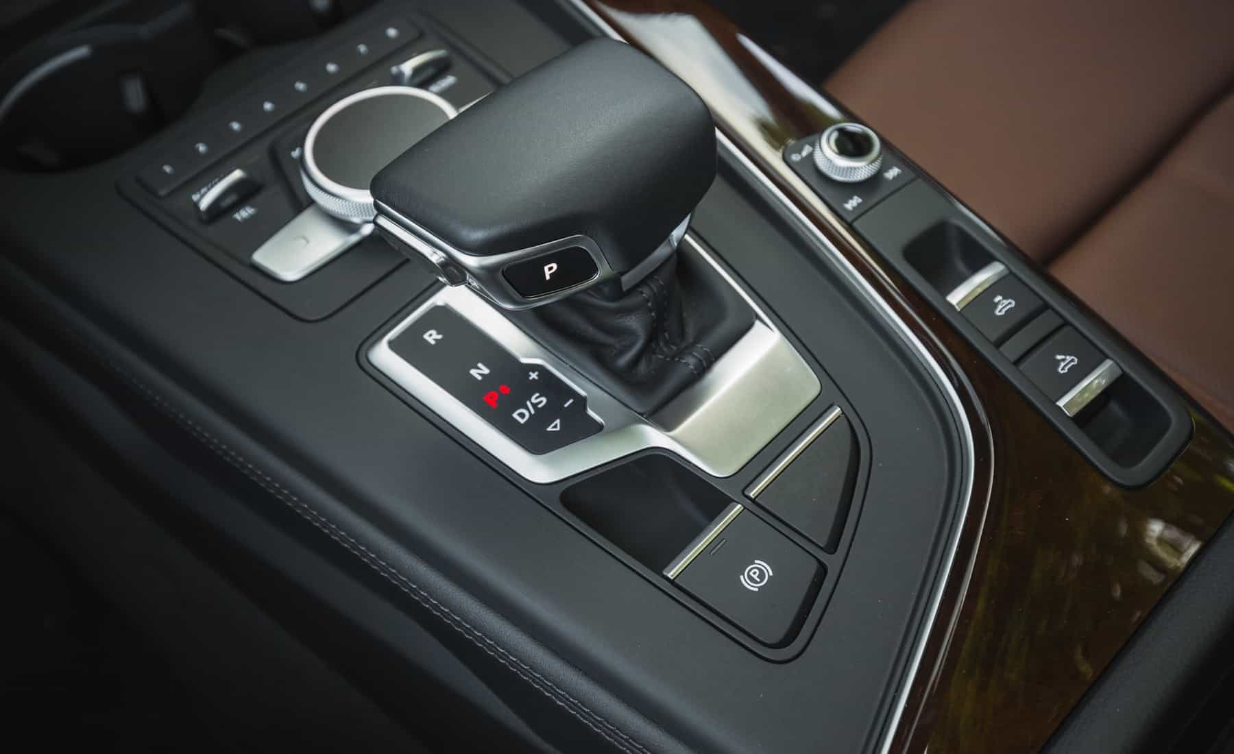 2018 Audi A5 Cabriolet Interior View Gear Shift Knob (Photo 31 of 45)