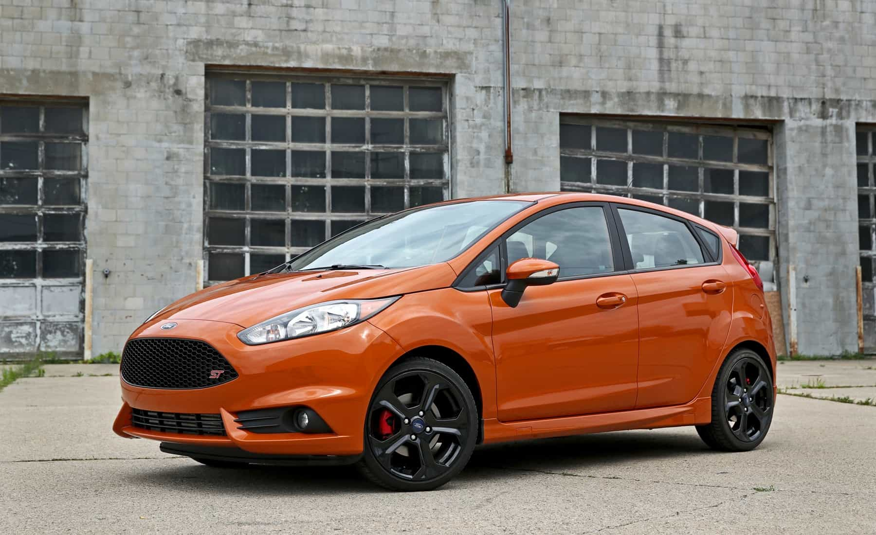 2017 Ford Fiesta ST Exterior Front And Side (Photo 4 of 47)