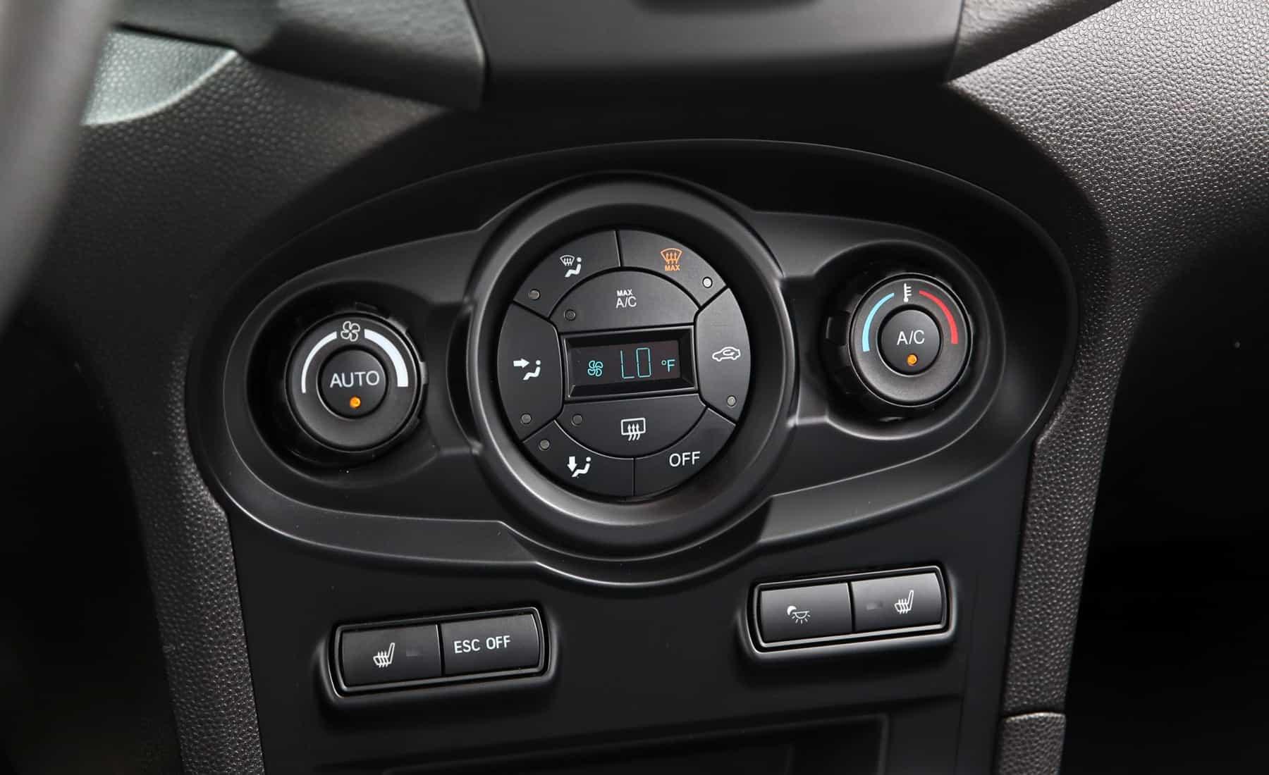 2017 Ford Fiesta ST Interior View Climate Control (Photo 27 of 47)