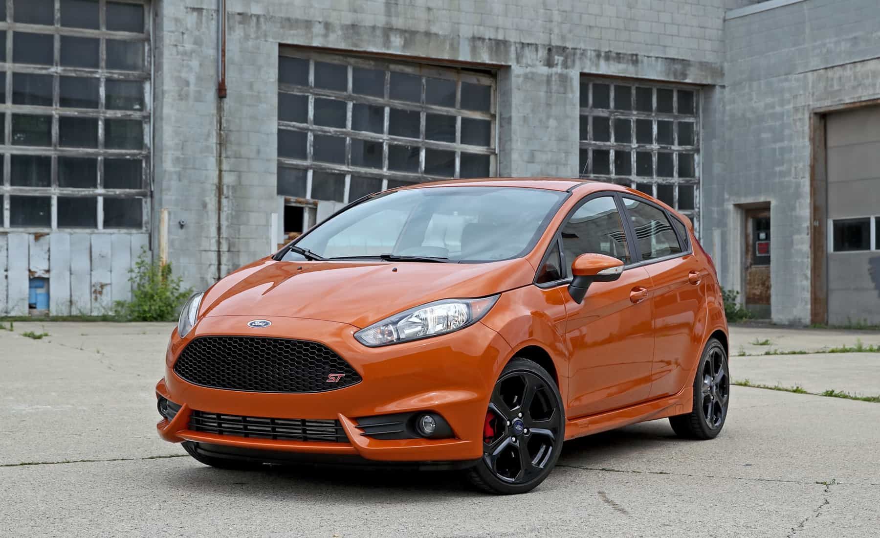 2017 Ford Fiesta ST (Photo 2 of 47)
