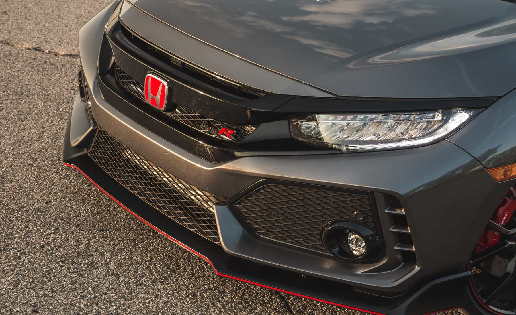 2017 Honda Civic Type R Exterior View Grille And Badge (Photo 36 of 48)