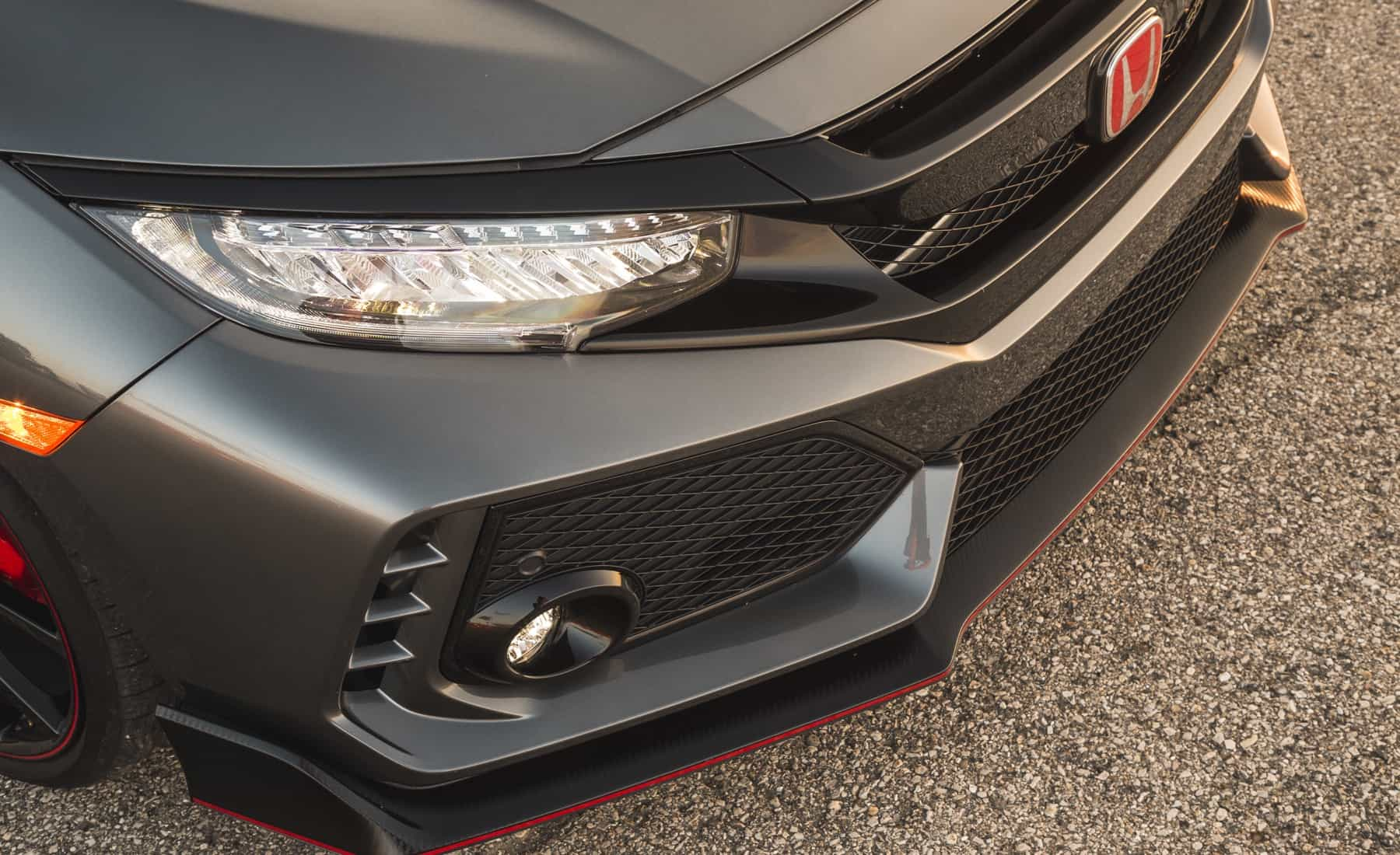 2017 Honda Civic Type R Exterior View Headlight And Grille (Photo 37 of 48)