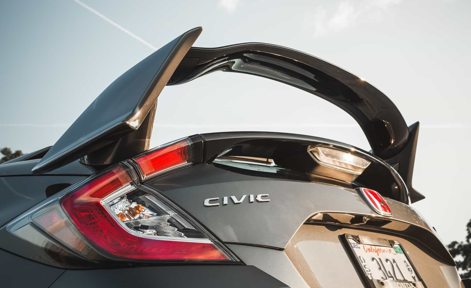 2017 Honda Civic Type R Exterior View Taillight And Emblem (Photo 33 of 48)