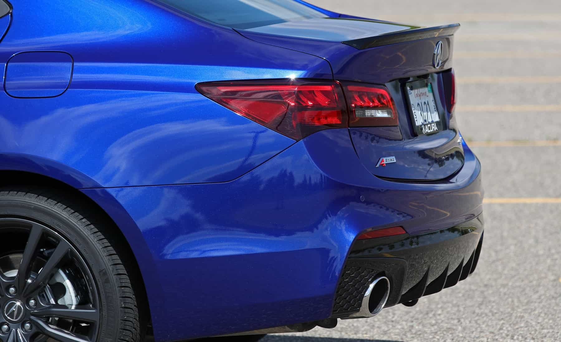 2018 Acura TLX Exterior View Rear Bumper (Photo 14 of 46)