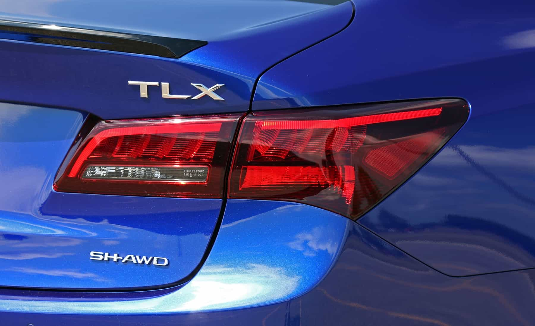 2018 Acura TLX Exterior View Taillight And Emblem (Photo 17 of 46)