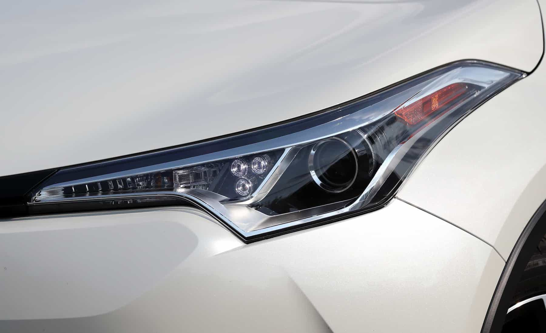 2018 Toyota C HR XLE Premium Exterior View Headlight (Photo 10 of 52)