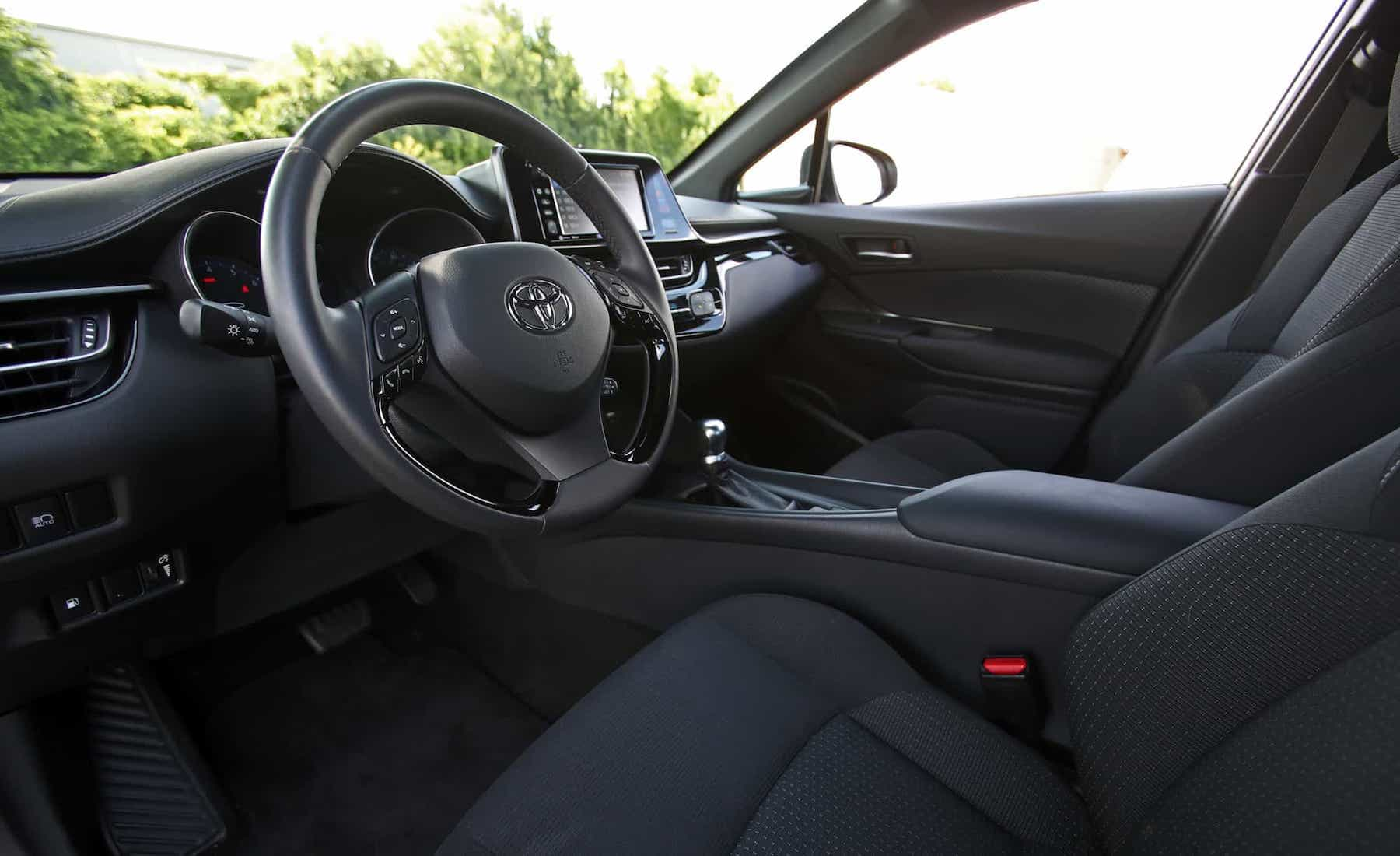 2018 Toyota C HR XLE Premium Interior View Steering (Photo 13 of 52)
