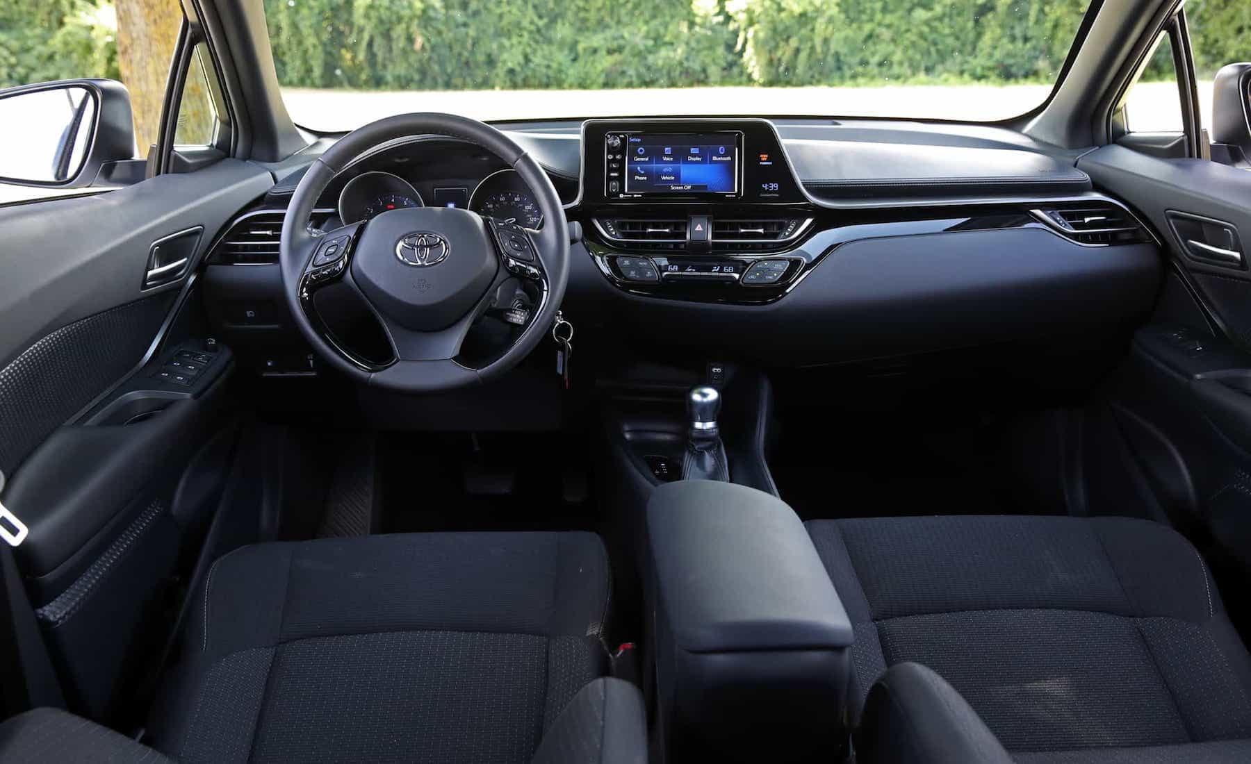 2018 Toyota C HR XLE Premium Interior (Photo 25 of 52)