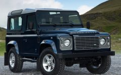 2013 Land Rover Defender Review and Photo