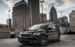 2013 Chrysler Town and Country S Review