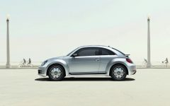 2014 Volkswagen iBeetle Gets Apple iPhone 5